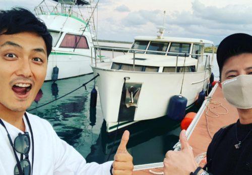 沖縄チャータークルーズ 船上ランチ 沖縄旅行 クルーザー